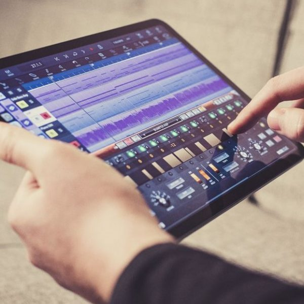 connect-an-ipad-to-a-professional-pa-system